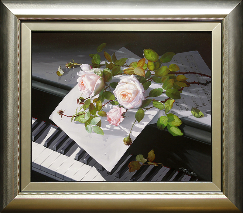 White Roses on Piano - DP