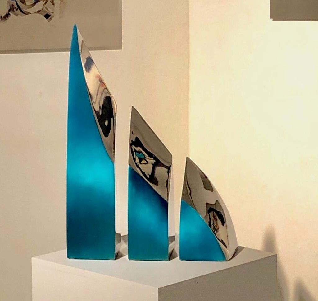 Turquoise Wave by Santiago Medina