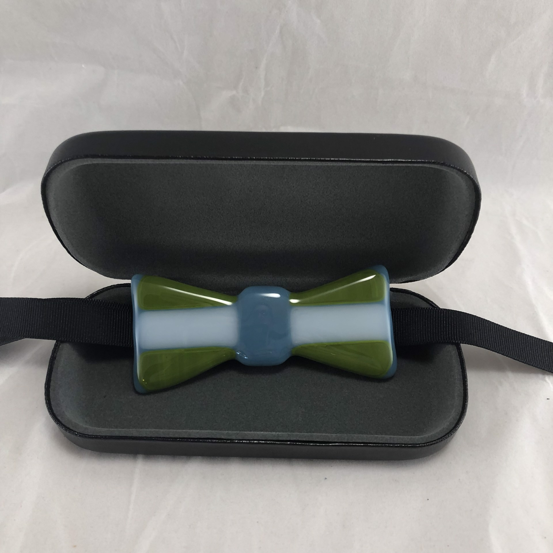 Bow tie 335 by Keller Lee
