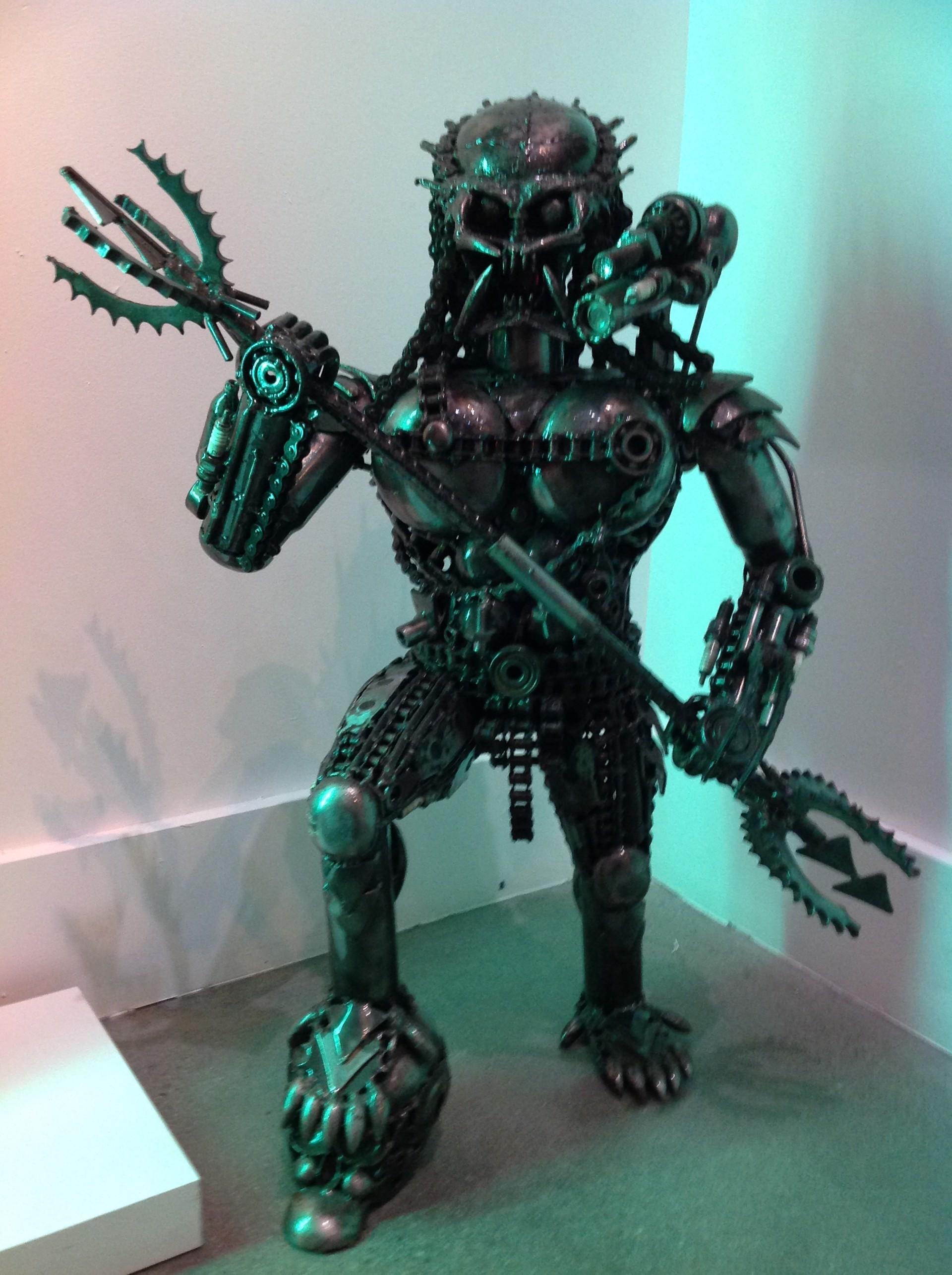 """""""Predator Mini"""" by Mr. Santo"""
