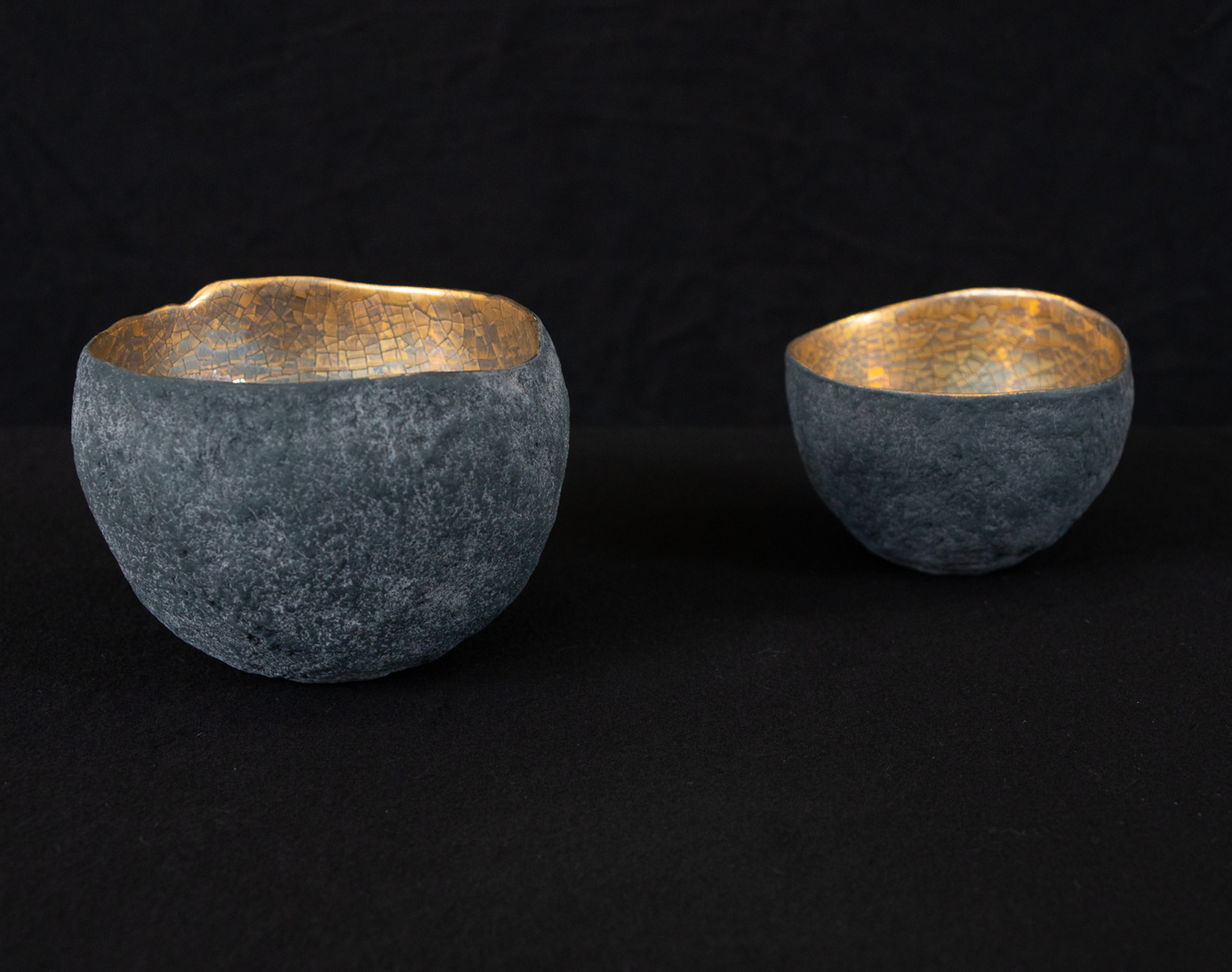 Bowls with platinum and gold by Cristina Salusti