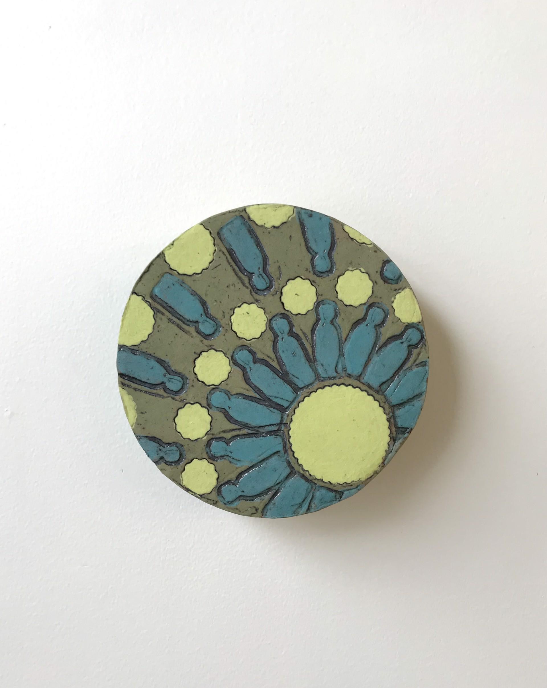 Medium Ceramic Social Circle by Cassie Butcher