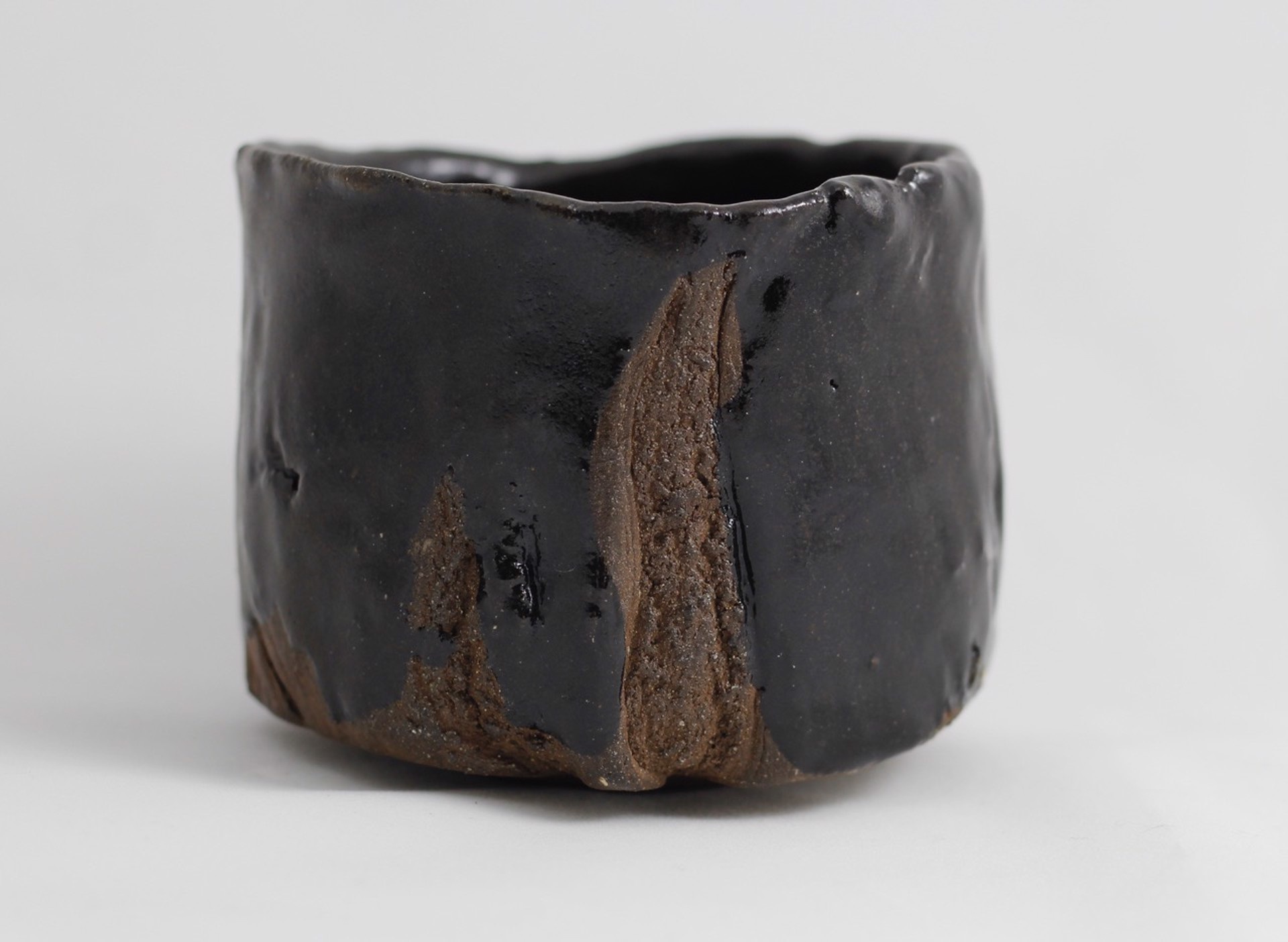 Setoguro Tea bowl by Kristin Müller