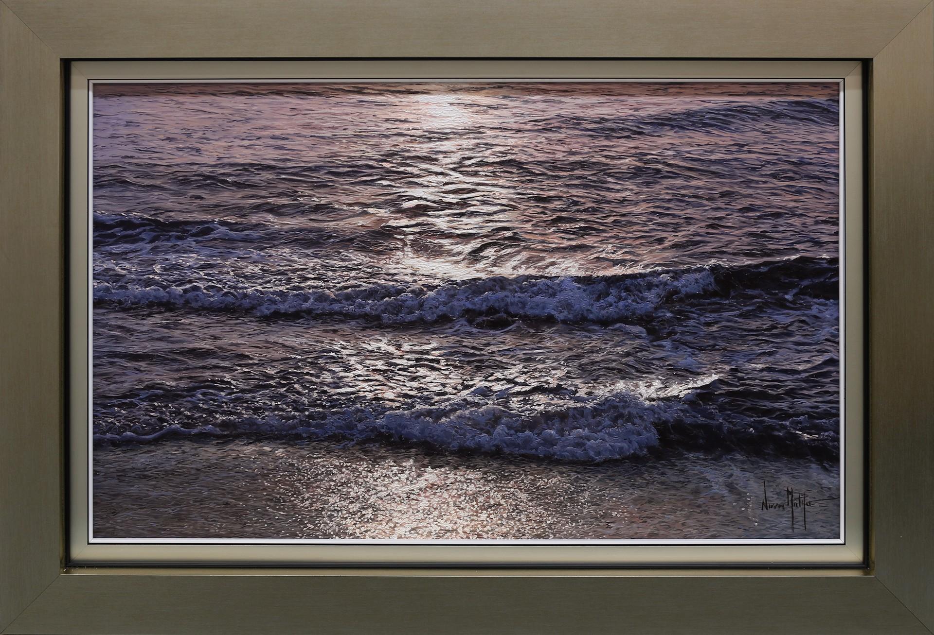Incoming Tide by Alfredo Navarro