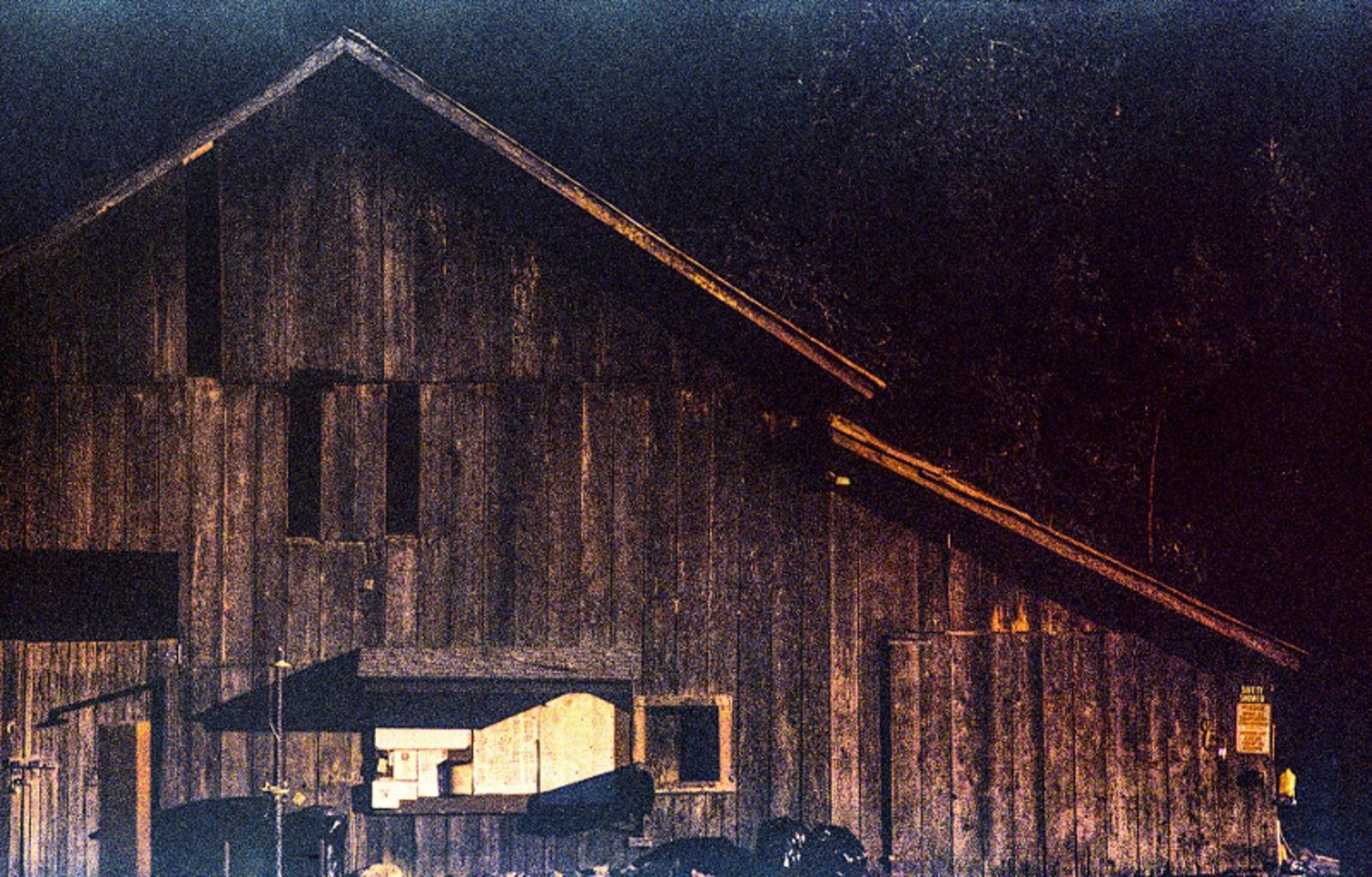 Barn at Sunset by Sam Aslanian