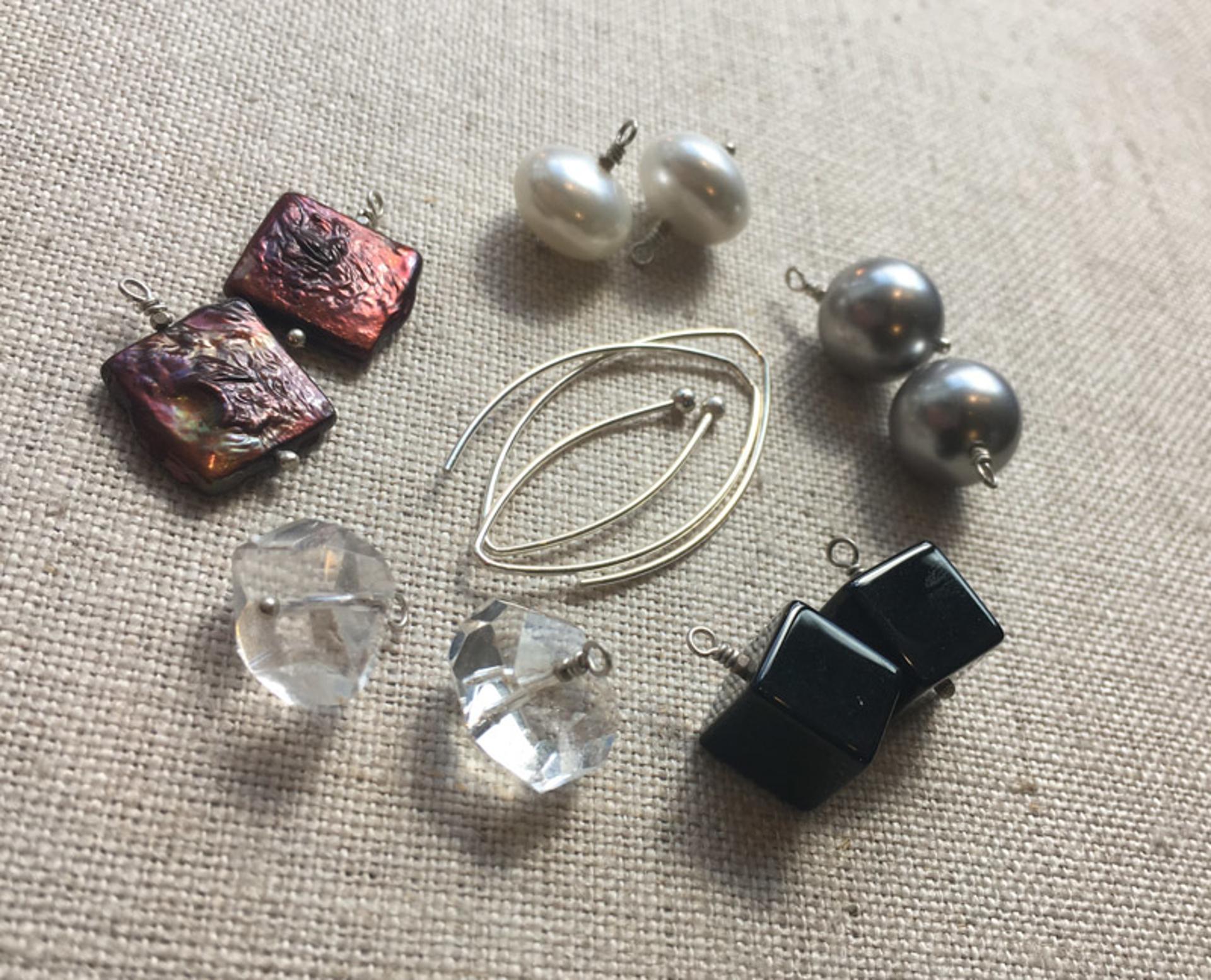 3002 Earrings AOB by Lori Paulsen