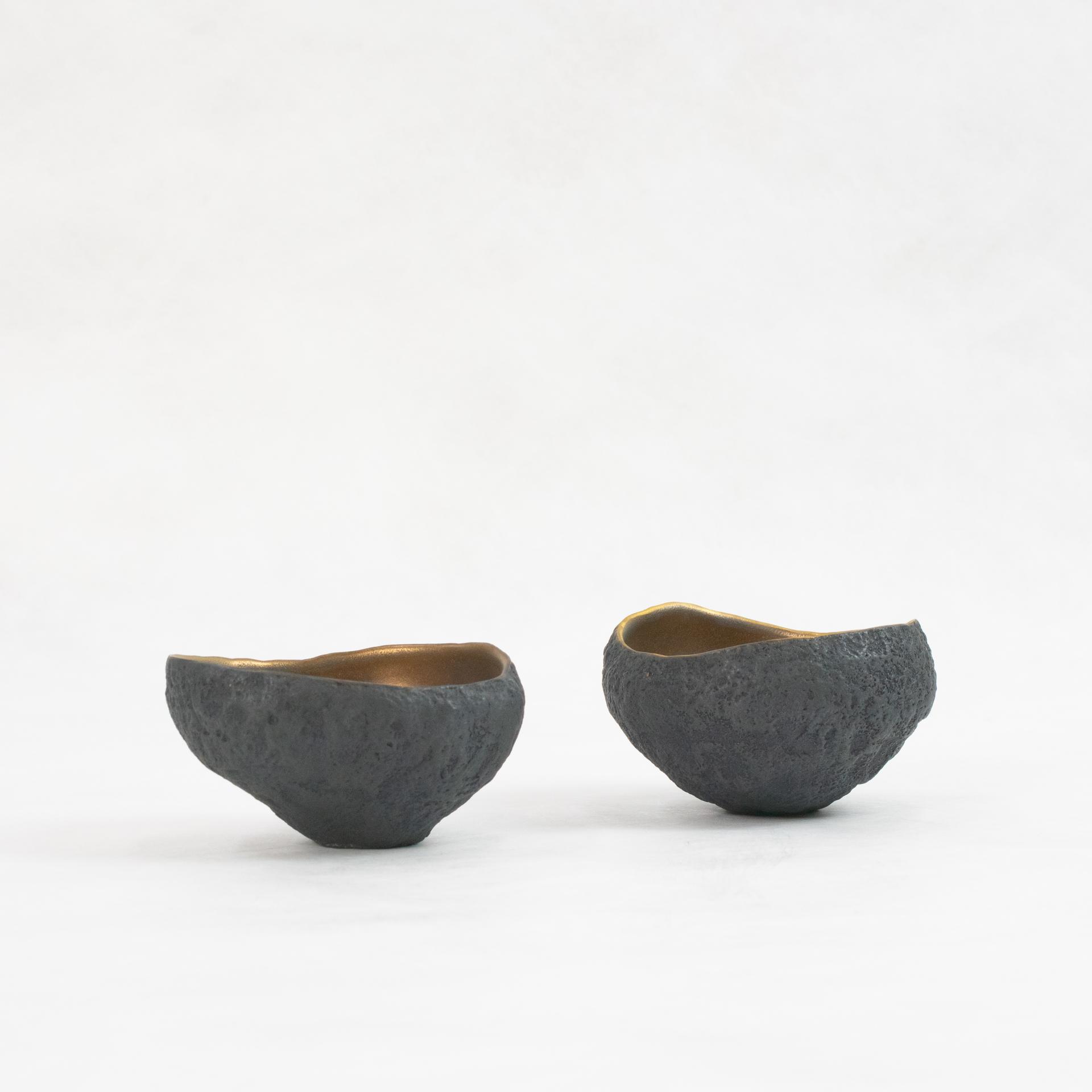 Ceramic with bronze glaze by Cristina Salusti
