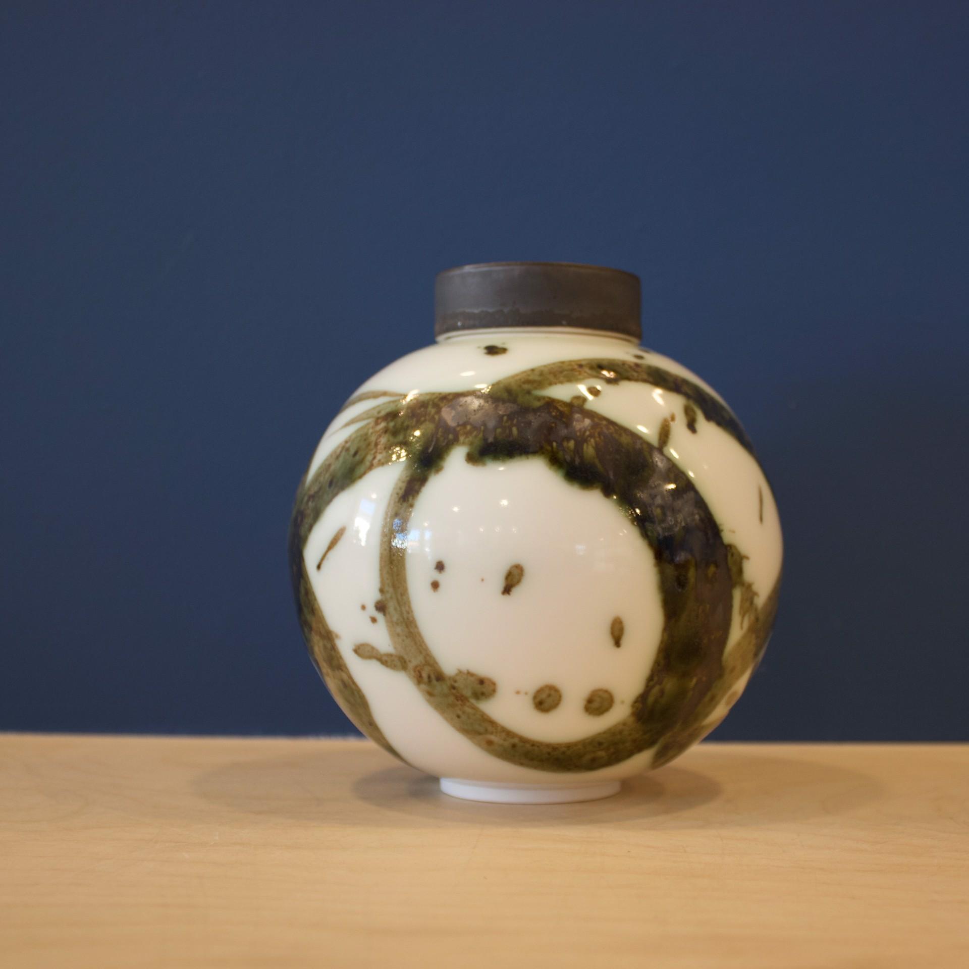 Splash Small Round Ginger Jar by Patricia Thom