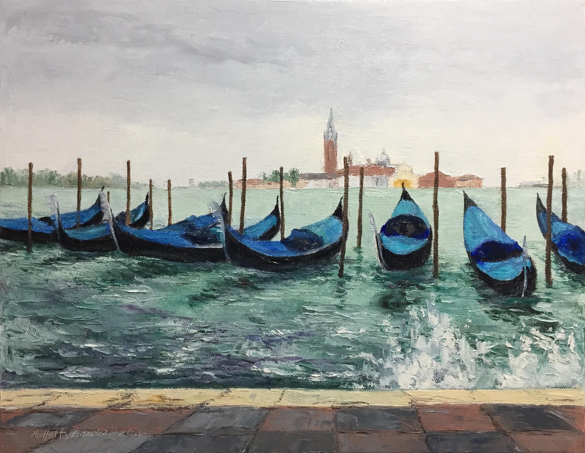 Line Up, Venice by Linda Hollett-Bazouzi