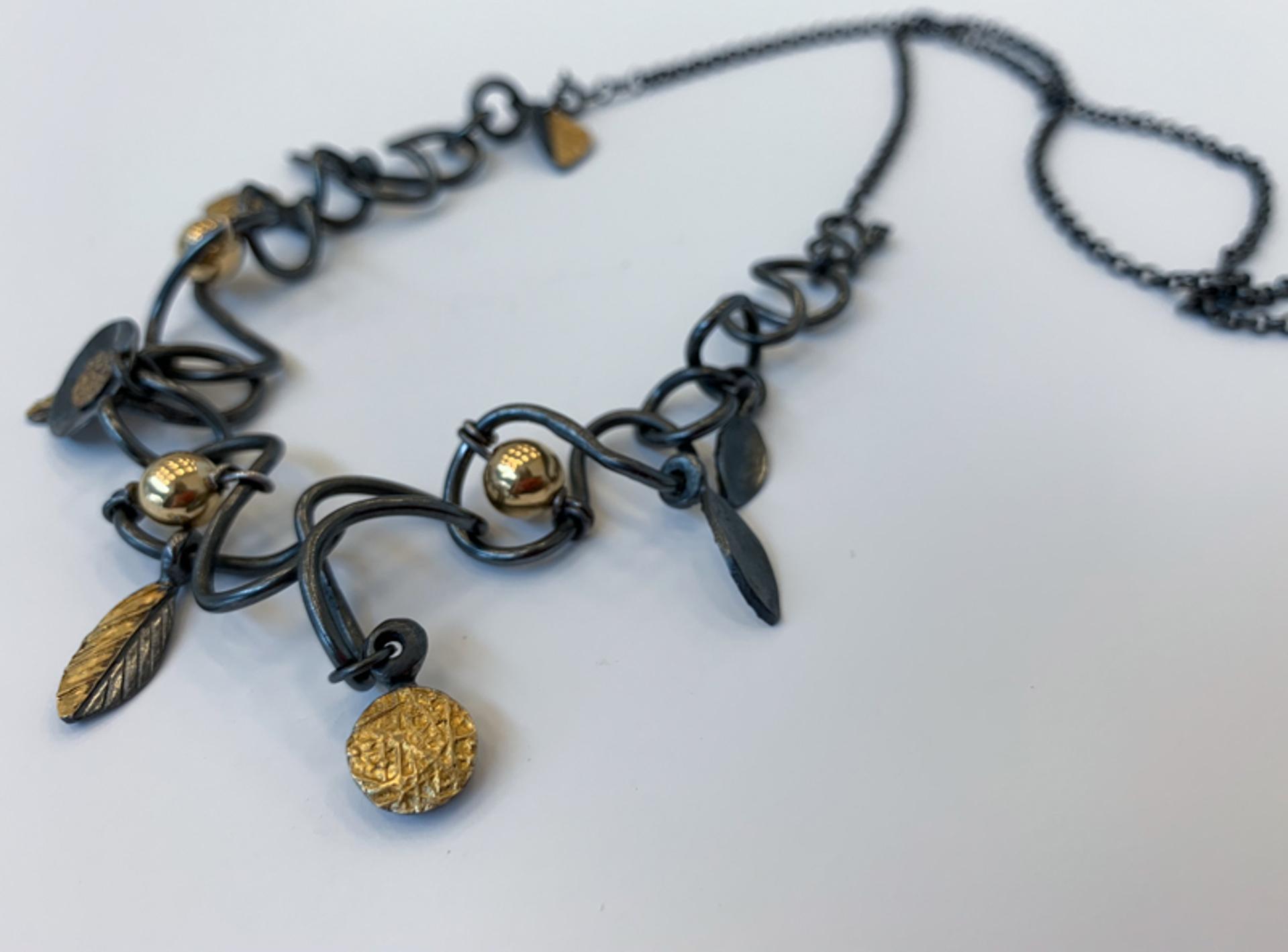 1424-8  Bracelet/Necklace by Donna Burdic