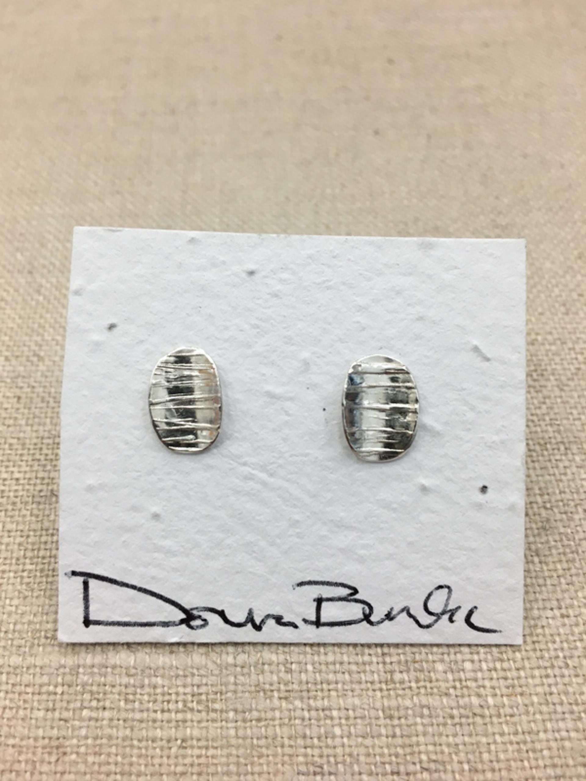 1456-16 Earrings by Donna Burdic