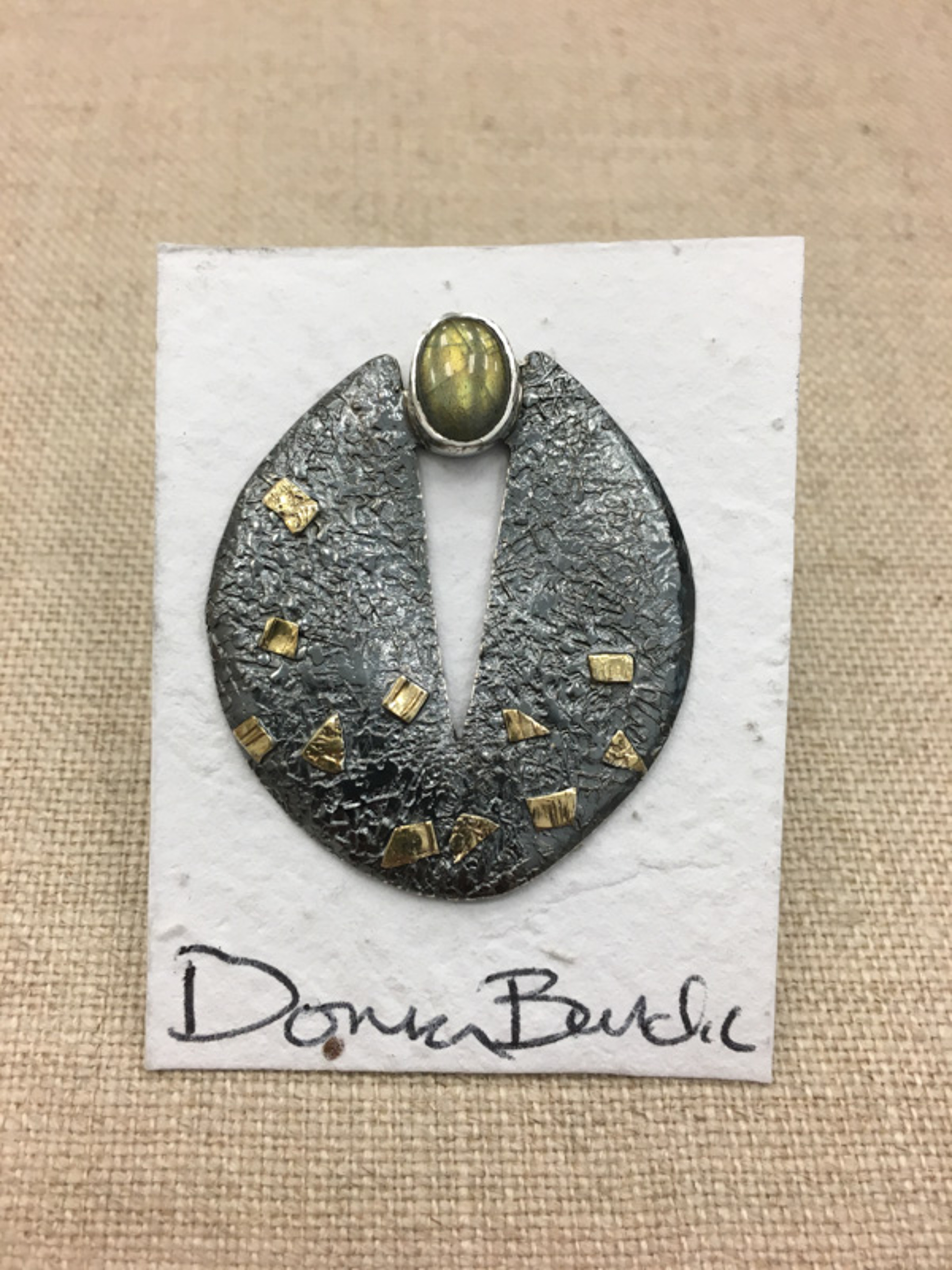 1456-5 Oval Pin by Donna Burdic