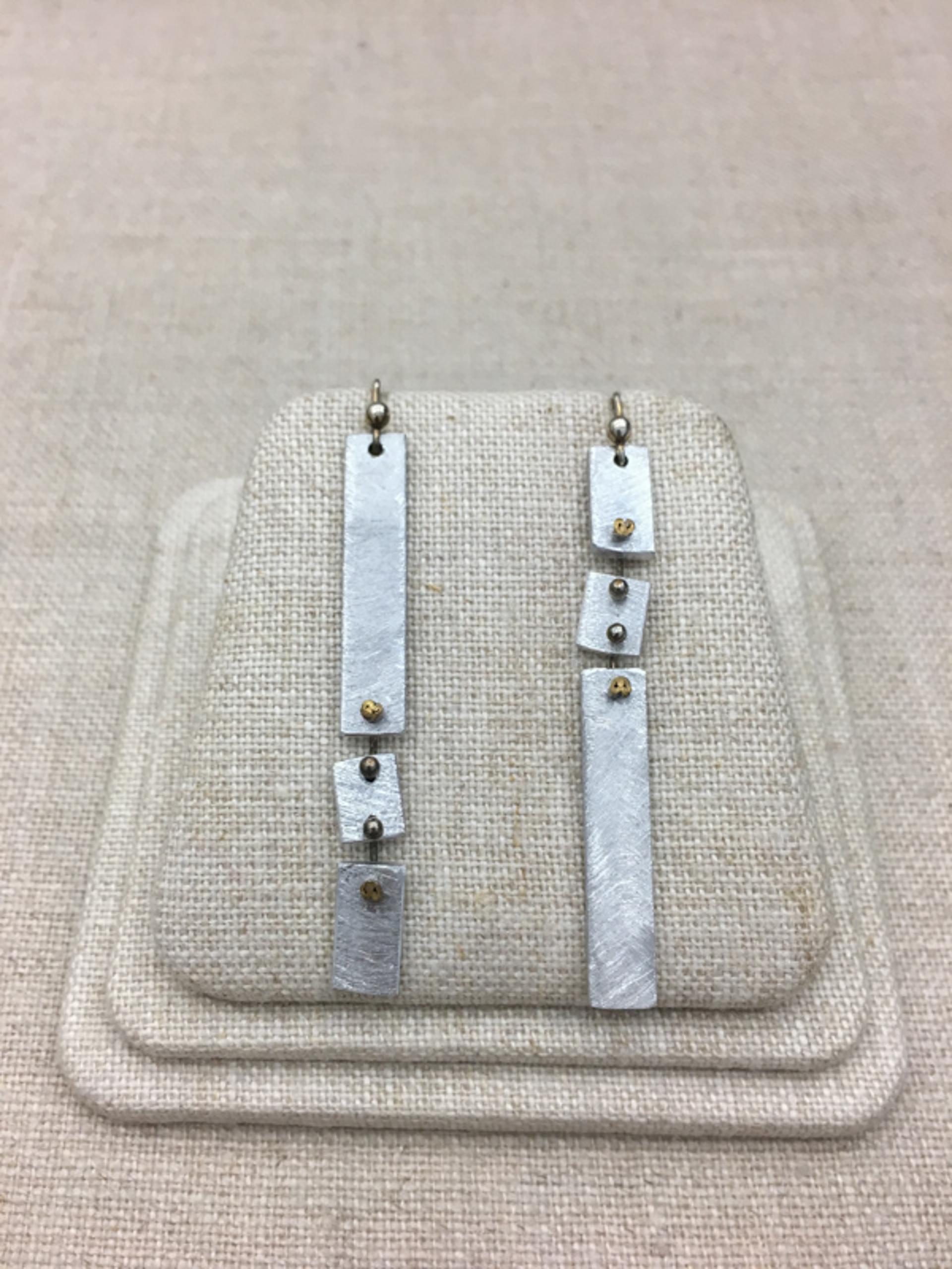 9142 Earrings by Lori Paulsen