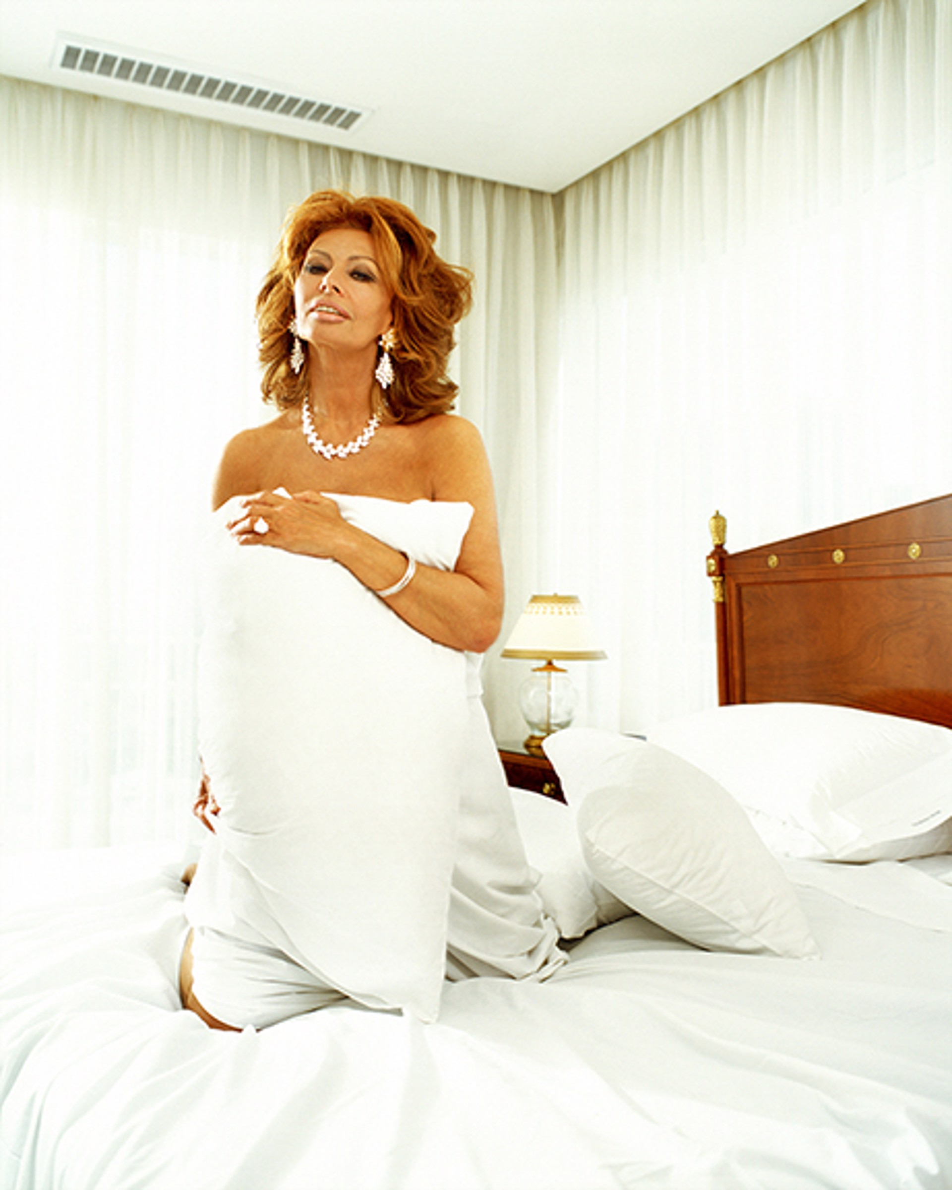 99023 Sophia Loren Pillow on the Bed Color by Timothy White