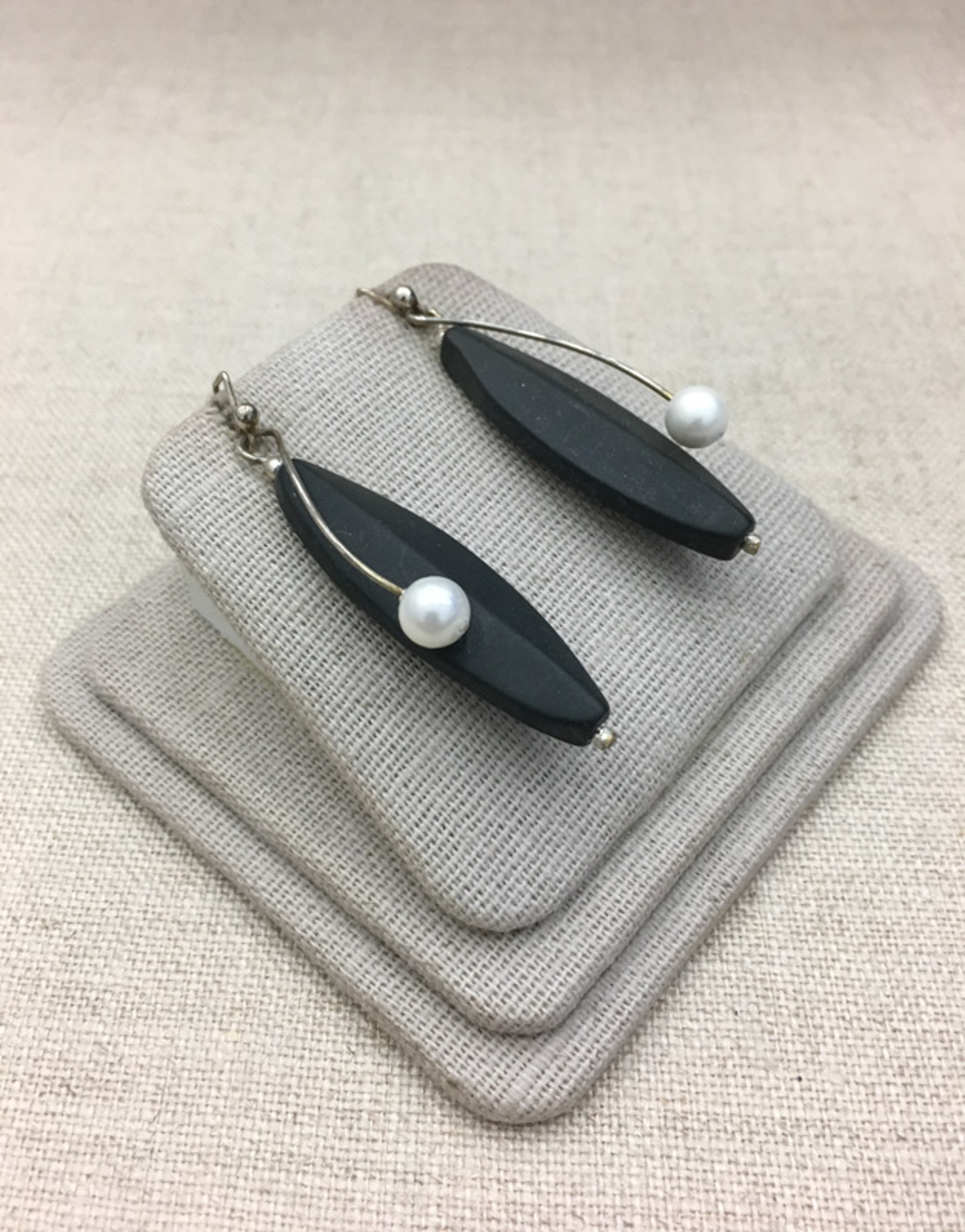 9036 Earrings by Lori Paulsen