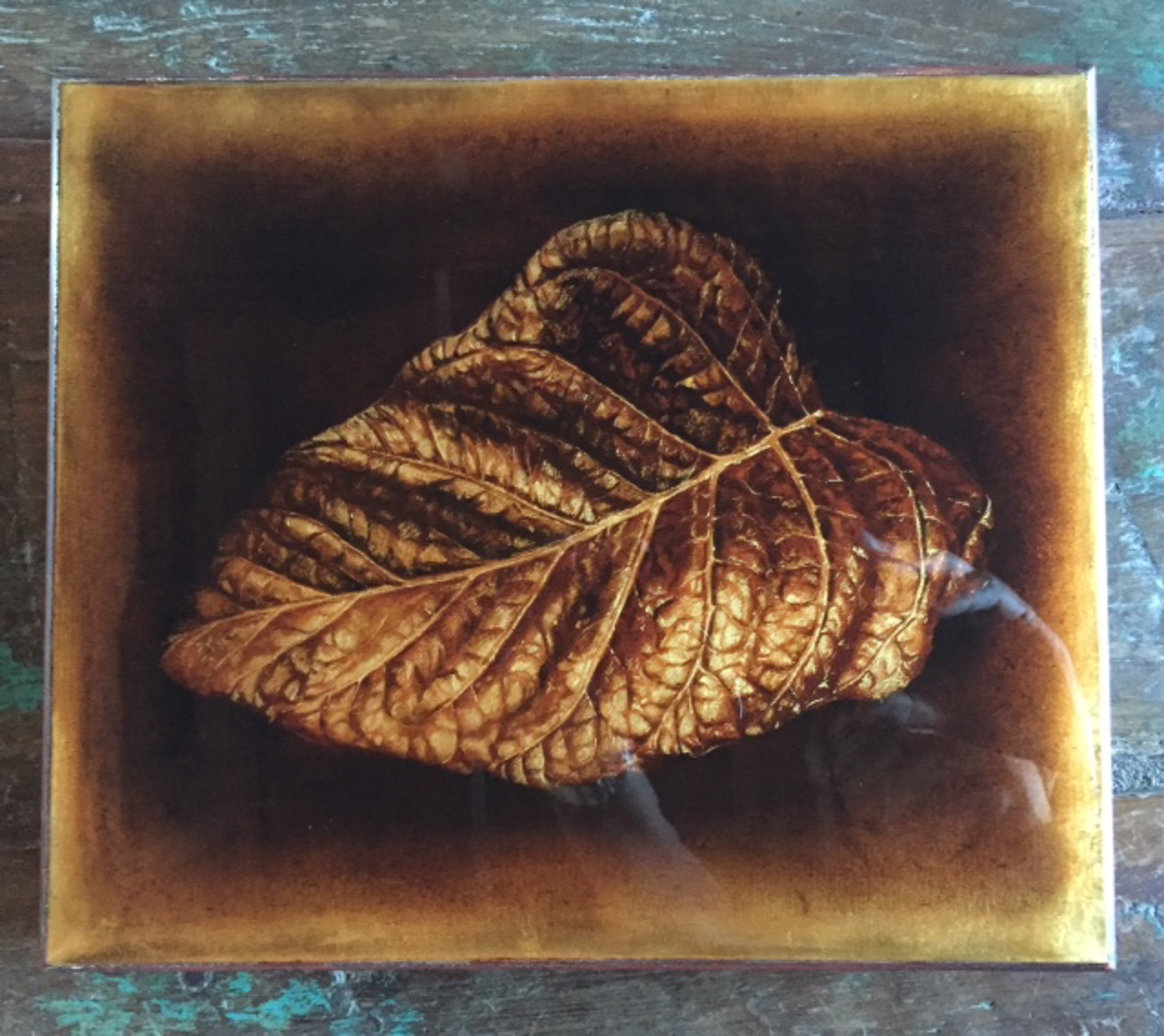 Tobacco Leaf by Larissa Morais