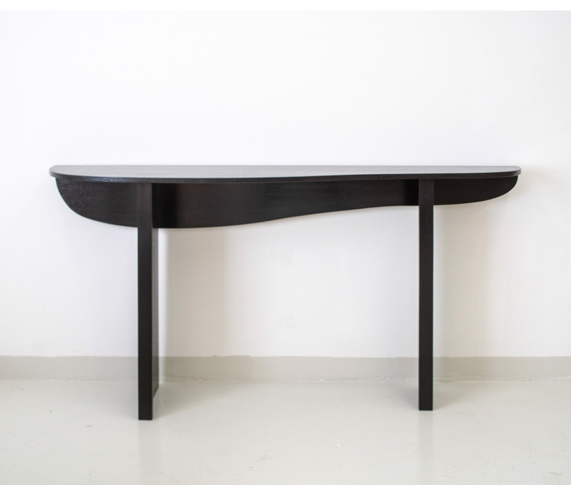 """Markus"" Console   by Jacques Jarrige"