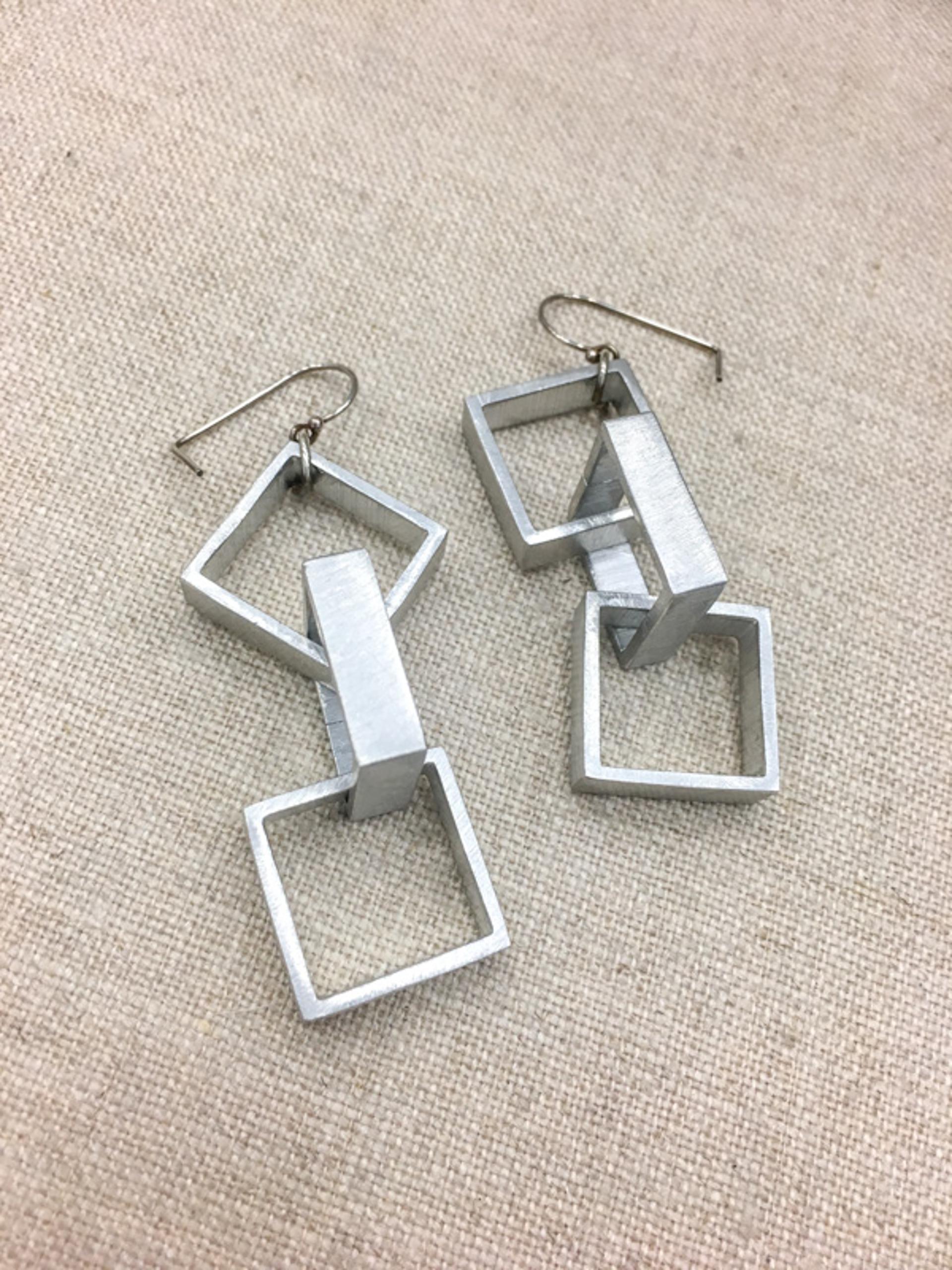 9162 Earrings by Lori Paulsen