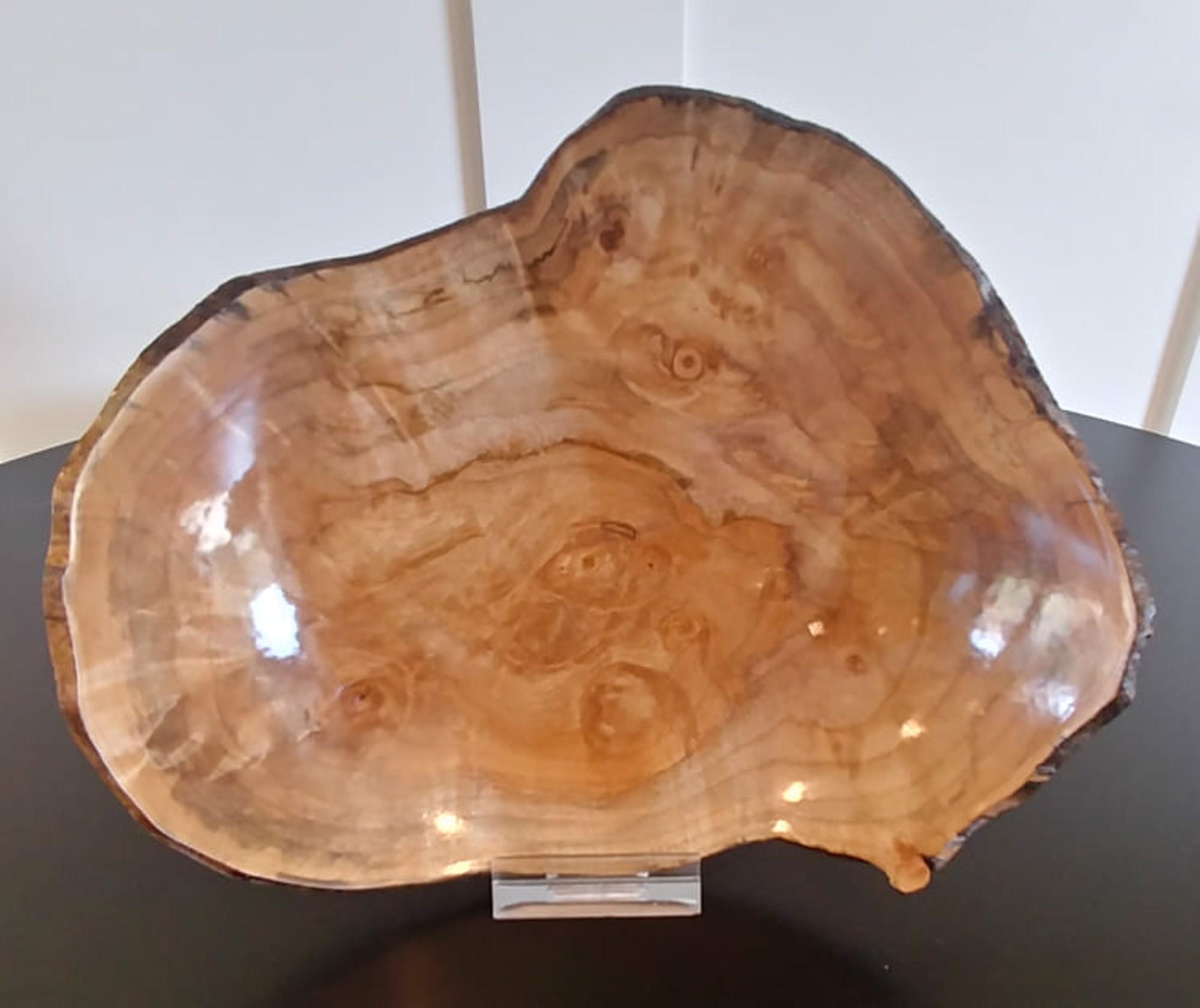 Laurel Burl Dish by Gary Dahrens (Lafayette, OR)
