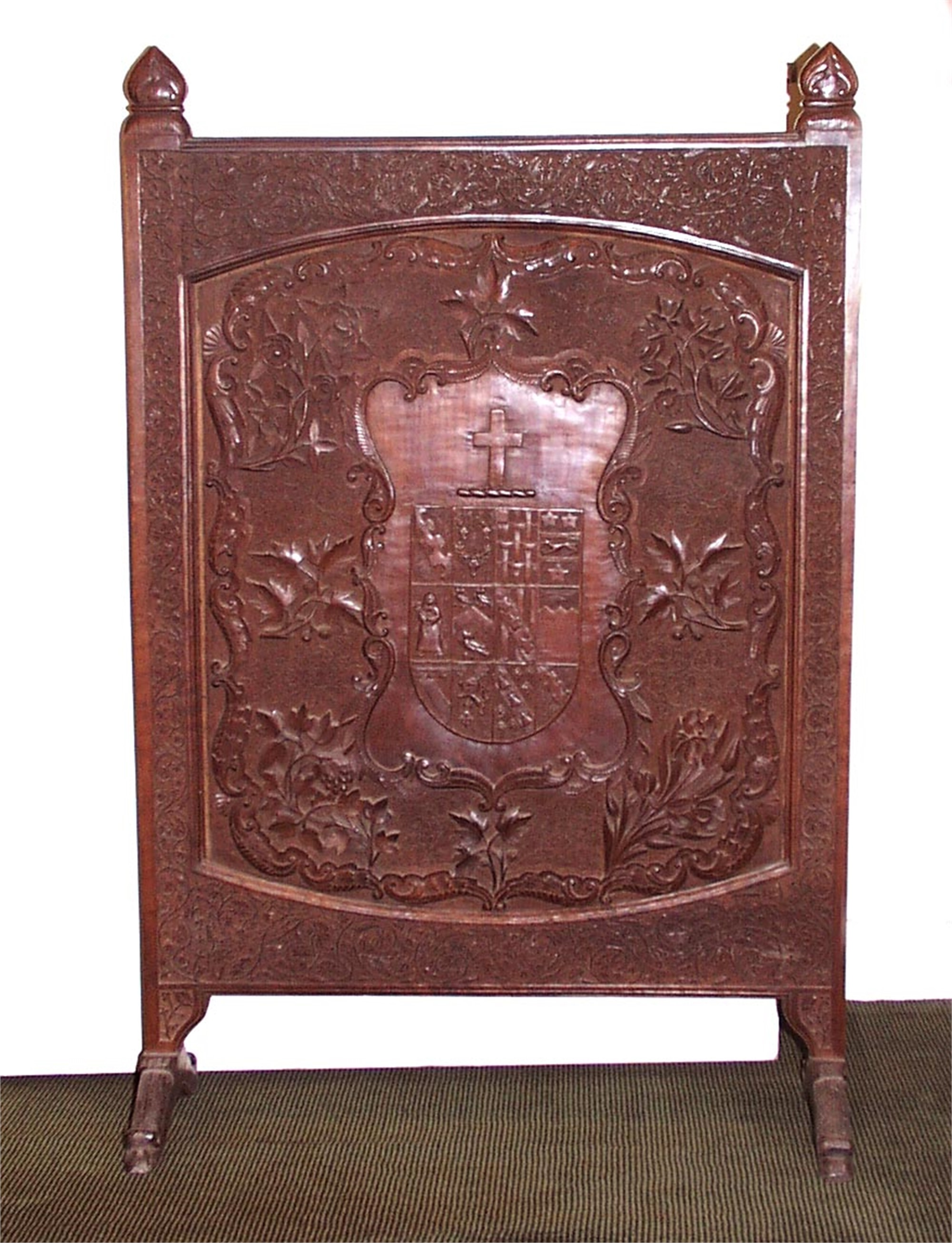 ANGLO-INDIAN CARVED TEAK ARMORIAL FIRE SCREEN