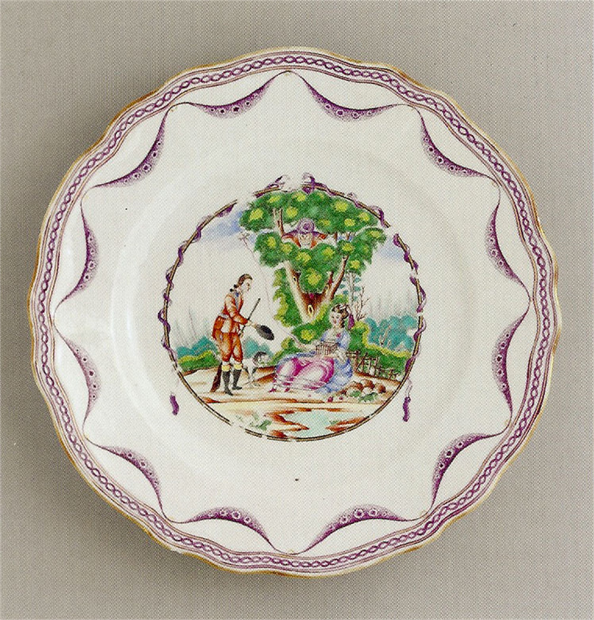 CHINESE EXPORT PLATE WITH SPORTSMAN DOFFING HAT TO LADY