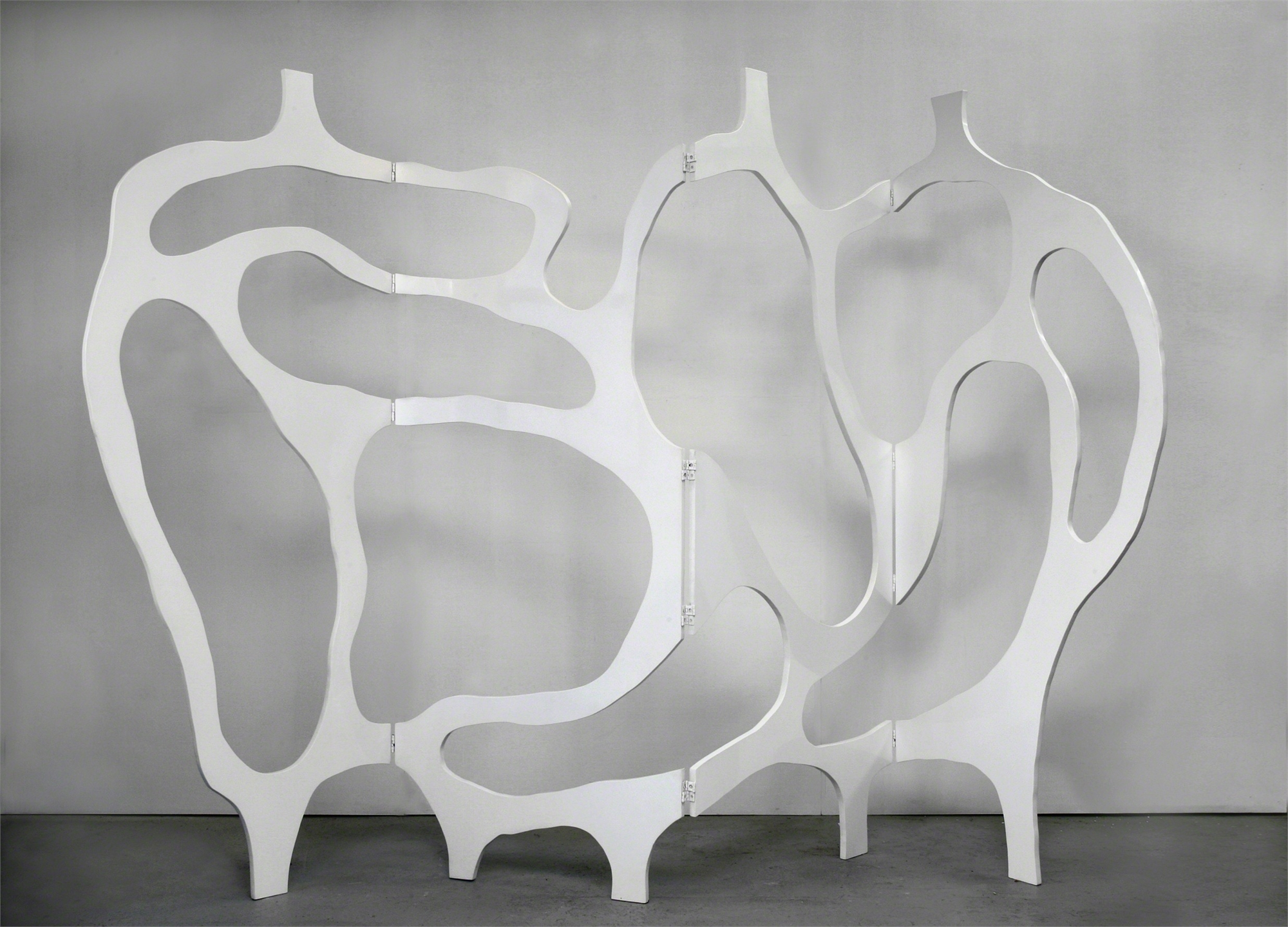 """Meanders"" Screen in white lacquer by Jacques Jarrige"