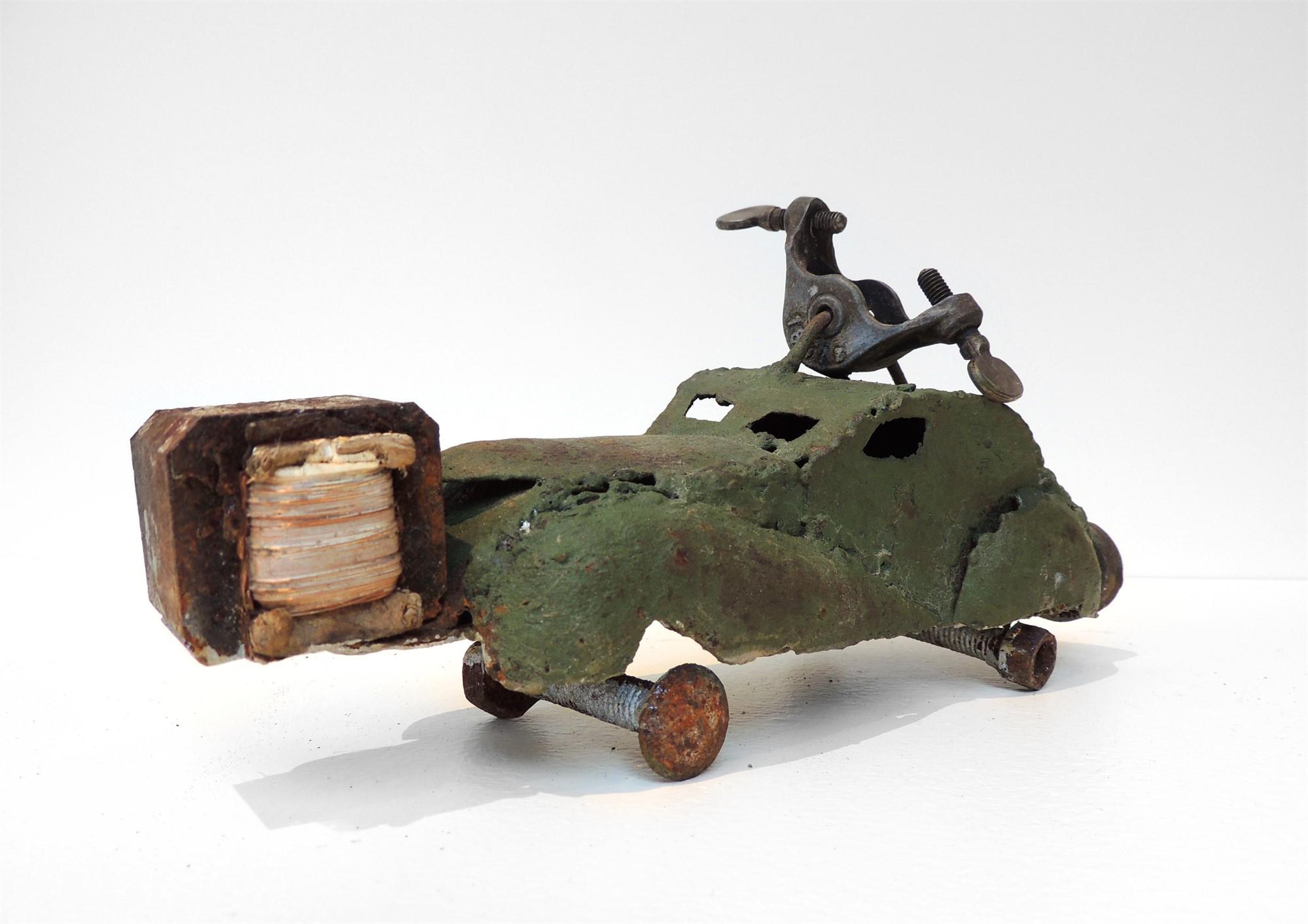 Nichos Series 10: Carro by Wilay Mendez