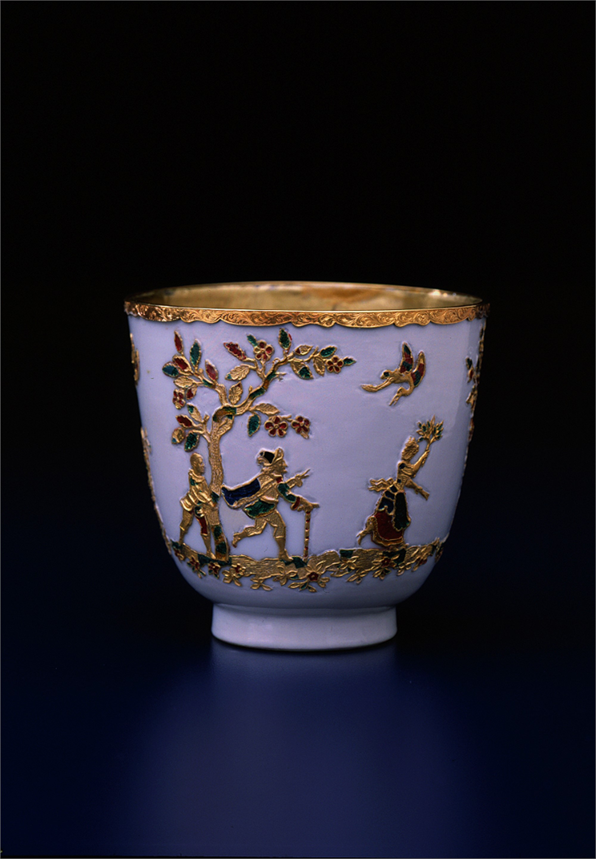 SMALL CUP WITH GOLD DECOR