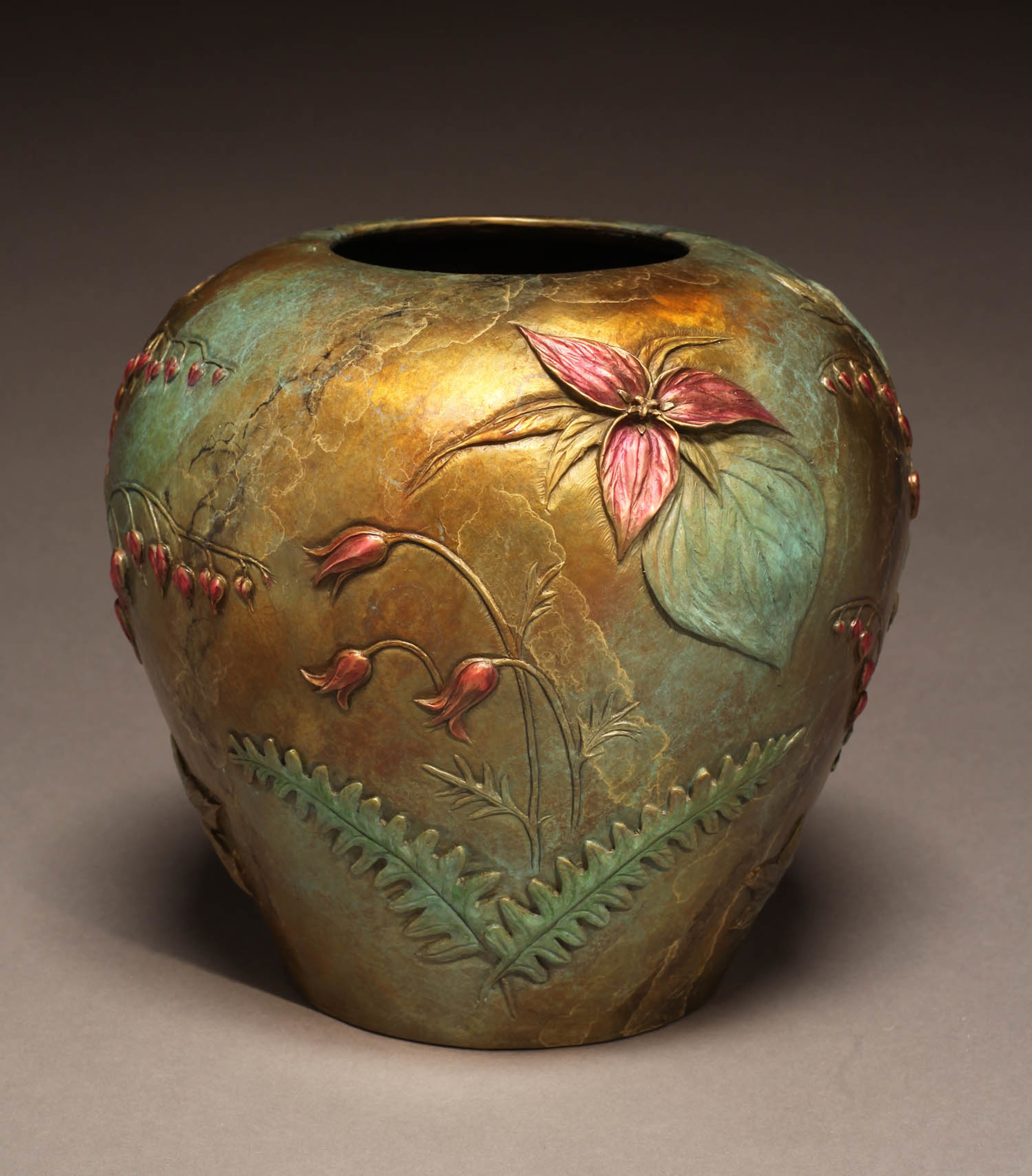 Spring Trillium Vase by Joan Zygmunt