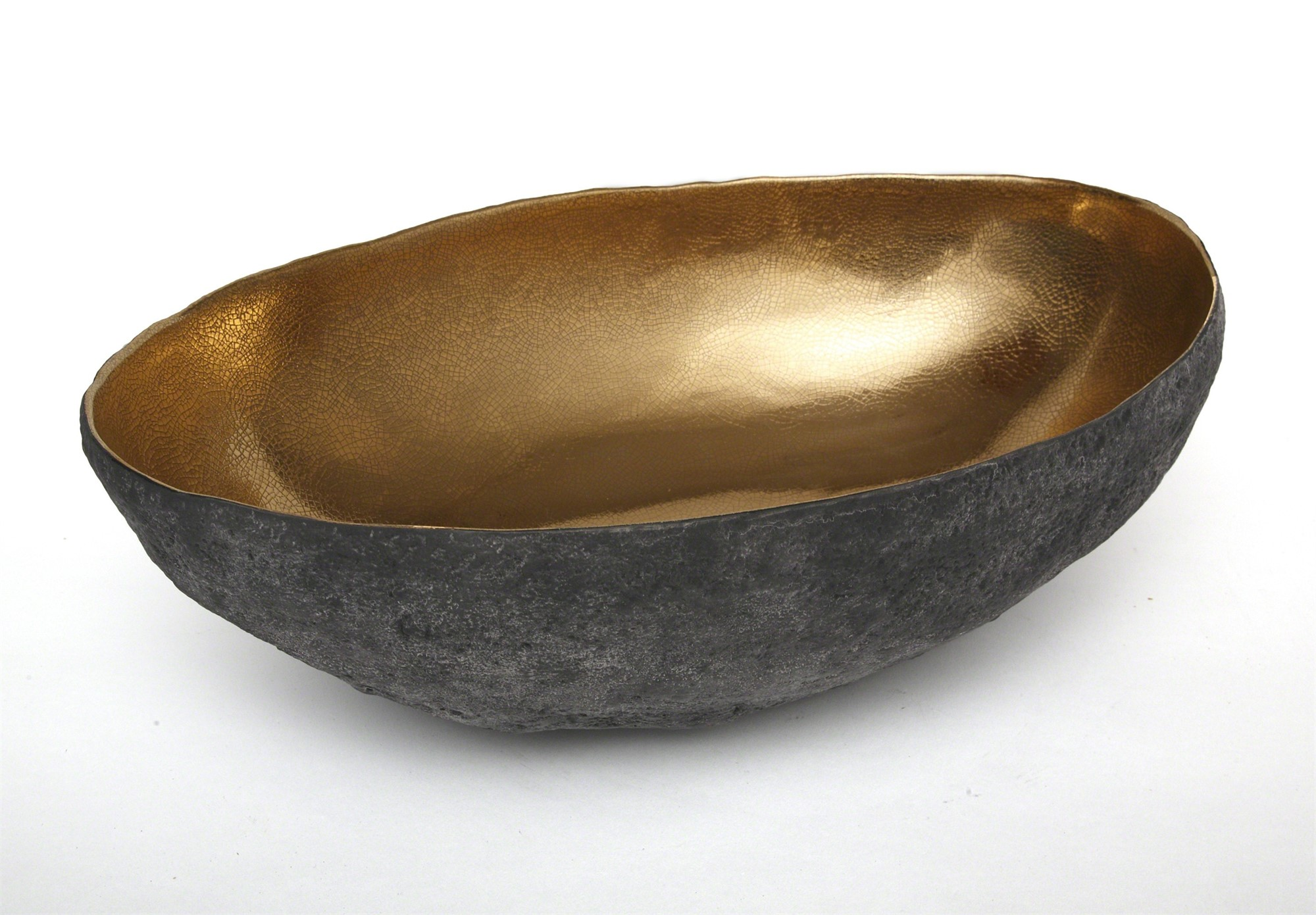 Oval vessel by Cristina Salusti
