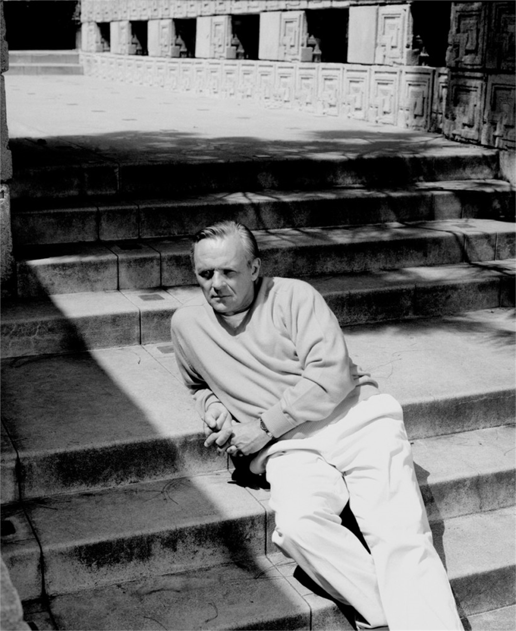 91123 Anthony Hopkins Stairs BW by Timothy White