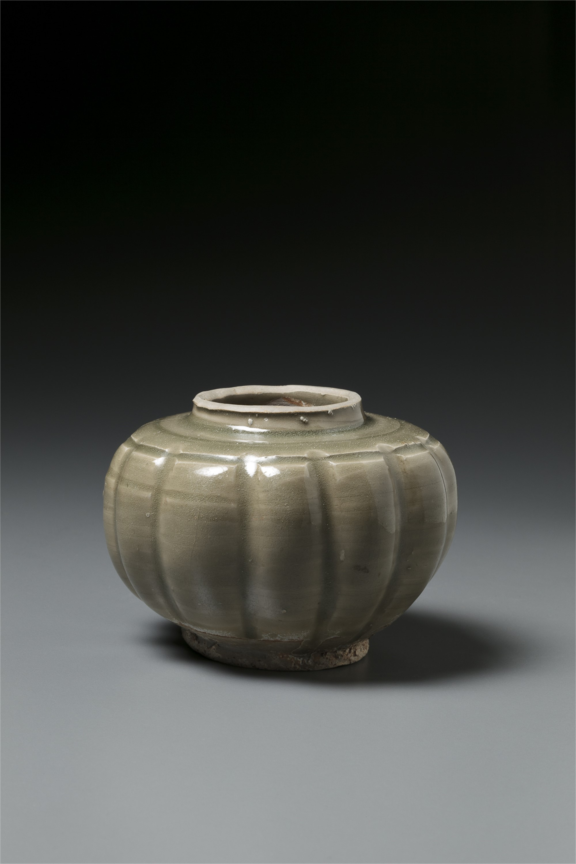 SMALL YAOZHOU JAR