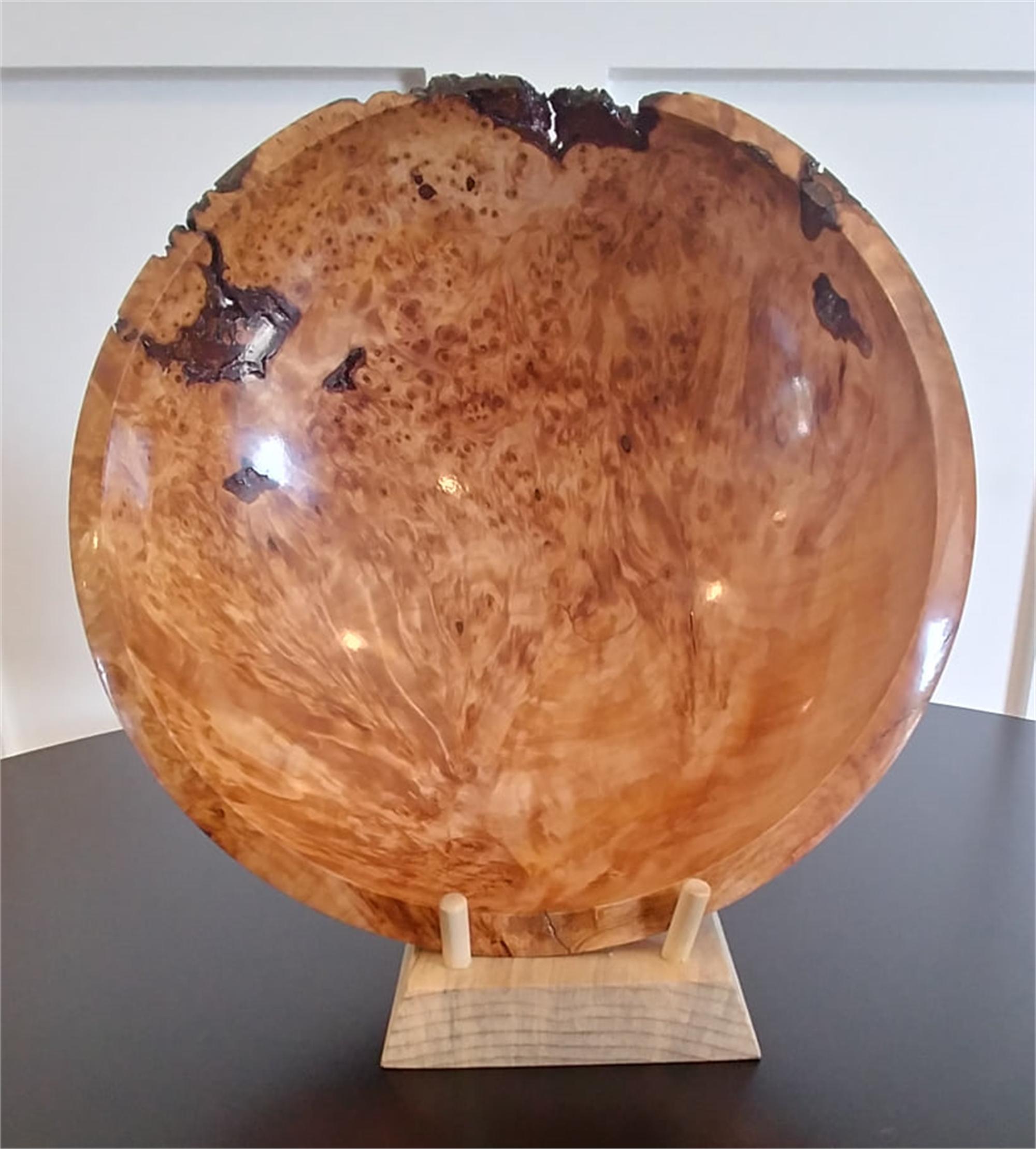Myrtle Burl Bowl by Gary Dahrens (Lafayette, OR)