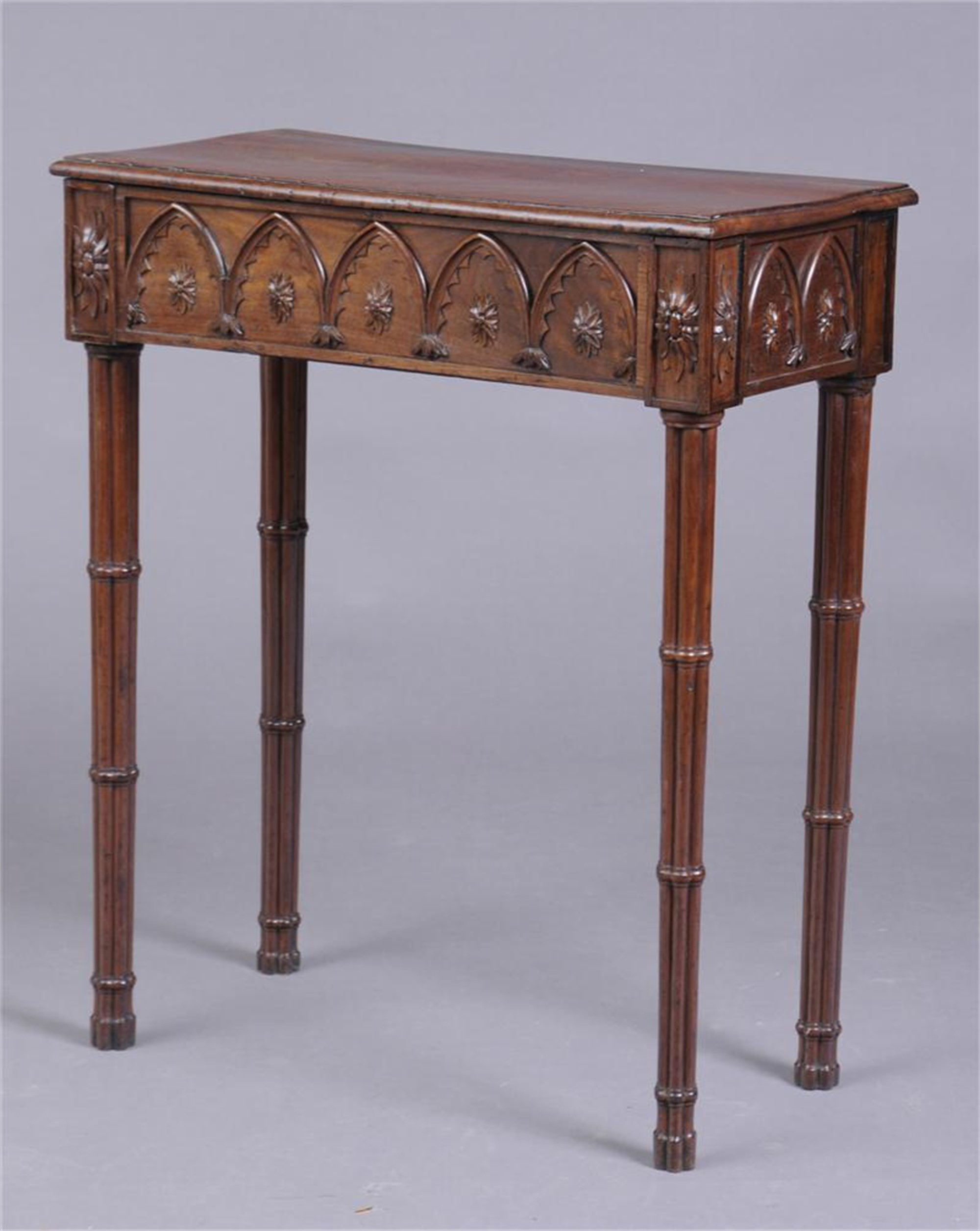 GEORGE III CARVED MAHOGANY PIER TABLE IN THE GOTHIC TASTE