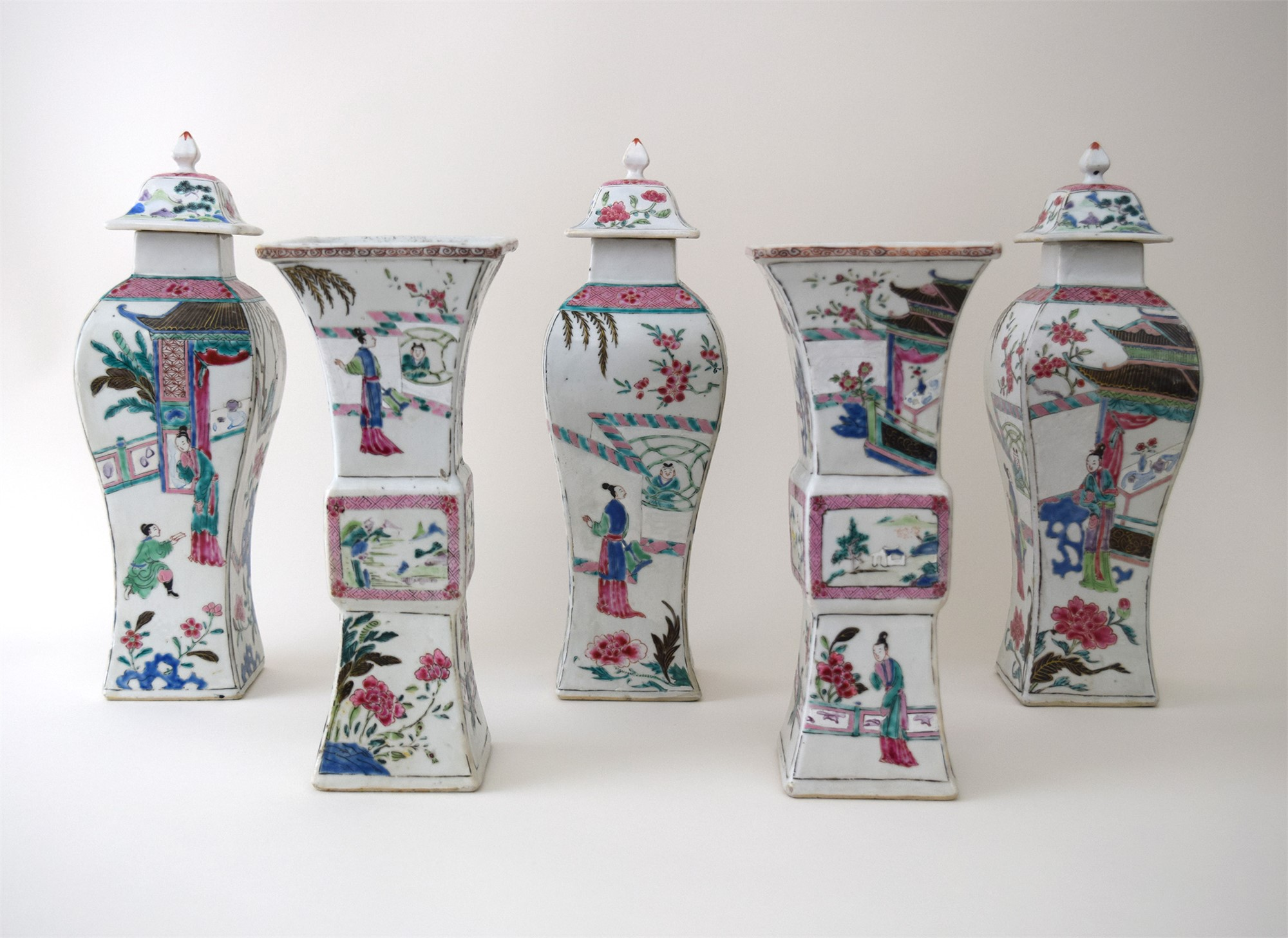CHINESE FAMILLE ROSE FIVE-PIECE GARNITURE