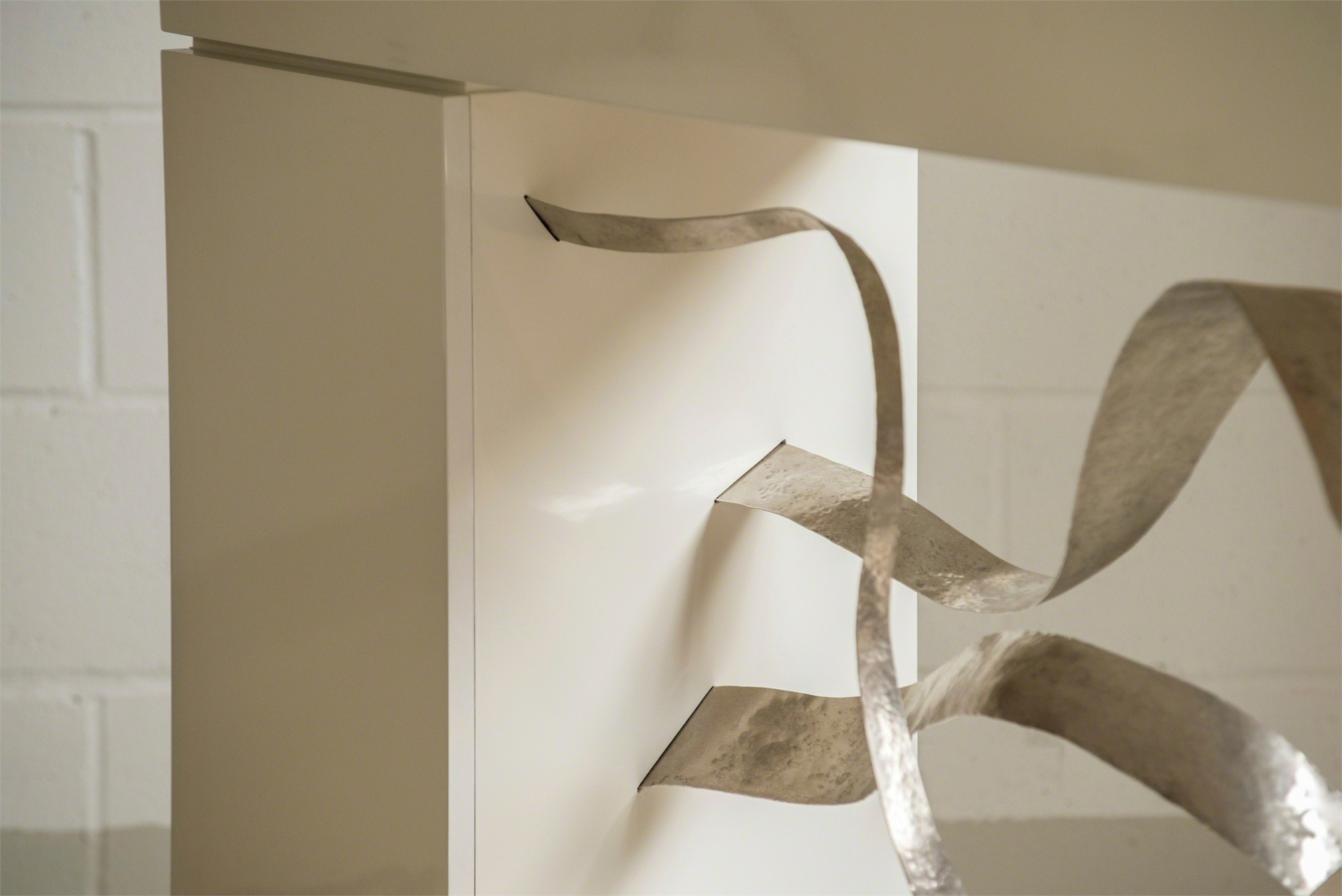 """""""Waves"""" Cabinet-console by Jacques Jarrige"""