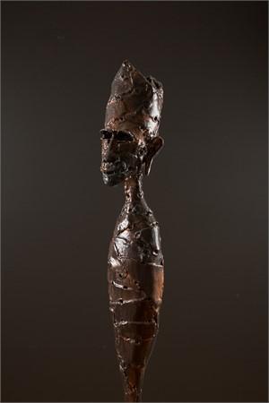 Short Figure Crown II