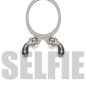 Selfie (ED/25), 2018