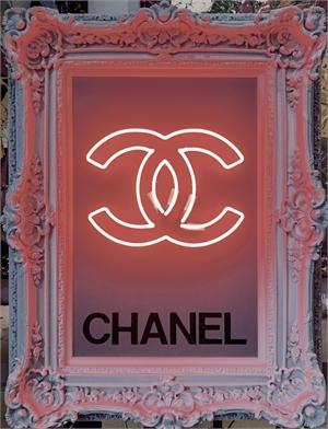 Neon Chanel , 2019