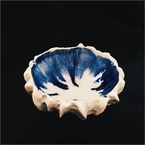 Small Scallop Bowl (Indigo & Natural)