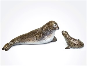 Harbor Seal with Pup (2/3)