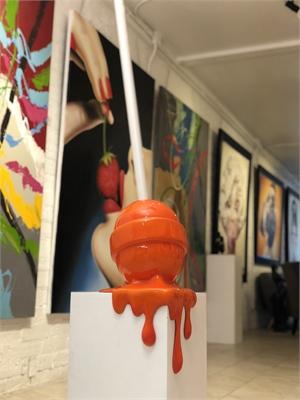 The Sweet Life Med. Orange Ombré Corner Drip Lollipop, 2019