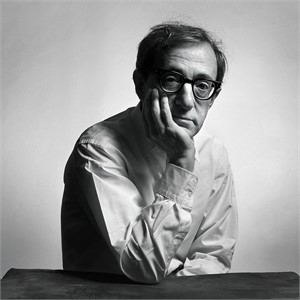 94095 Woody Allen Hand Up BW, 1994