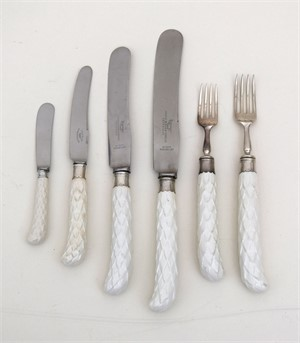 ENGLISH SILVER AND PORCELAIN FLATWARE SERVICE, English, 1937
