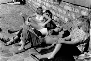 No. 035 Sunbathers Along the Seine, Paris, France