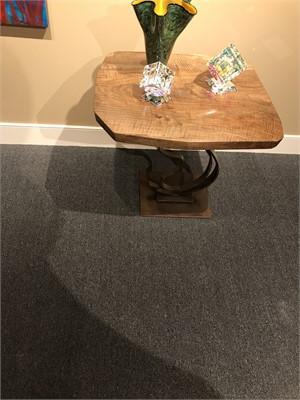 Corner Table L1