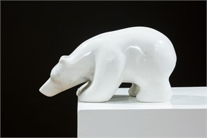 Sniffing Bear 32