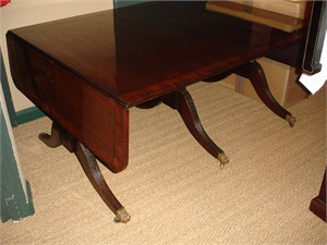 ENGLISH ROSEWOOD AND MAHOGANY DINING TABLE, English, 18th century