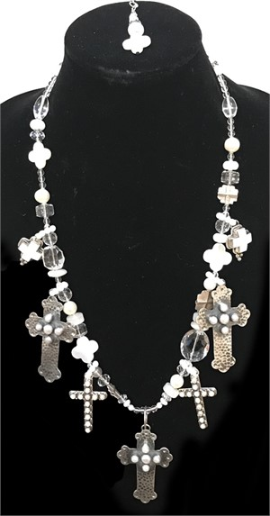 KY1284C-Single strand necklace with white jade, freshwater pearls, mother of pearl and sterling