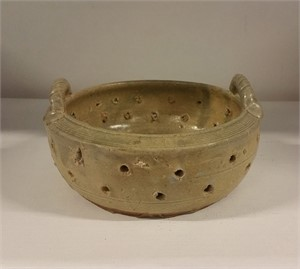 STONEWARE CENSOR WITH OPENWORK DESIGN, NA